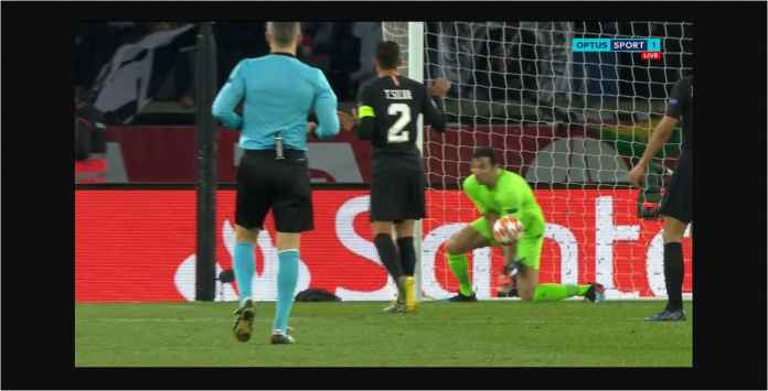 Kiper PSG Buffon Terlalu Sok Tahu, Blundernya Bikin Gol Manchester United