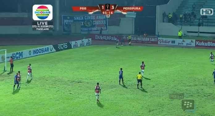 PSIS Semarang Menyerah dari Sang Tamu, Persipura Jayapura, 1-3