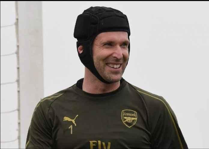 Pemain internasional Republik Ceko melanjutkan untuk membantu Arsenal memenangkan Piala FA pada 2017. Dia memulai musim ini sebagai No1 Unery Emery tetapi cedera hamstring membuatnya kehilangan posisinya karena Bernd Leno. Kemudian pada bulan Januari ia mengumumkan bahwa ia mengakhiri karir bermainnya yang gemerlap di bulan Mei.