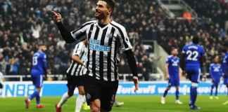Berita Bola - Arsenal dan Tottenham Hotspur Berburu Bek Newcastle Fabian Schar