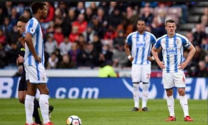 Huddersfield Terdegradasi di Kandang Crystal Palace