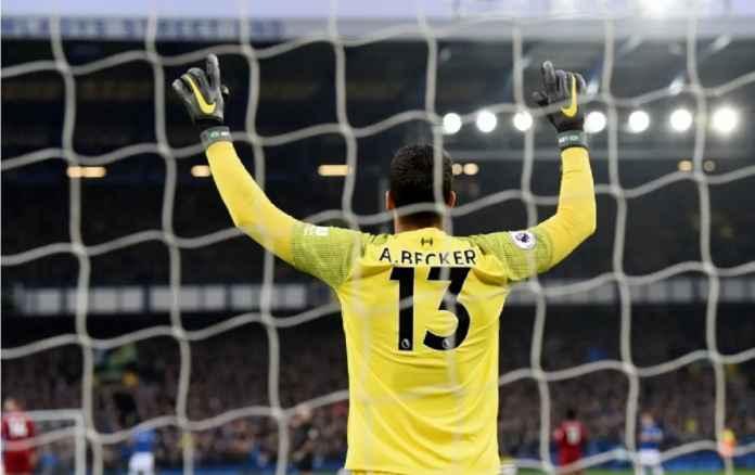 Petr Cech Sindir Rekor Clean Sheet Kiper Liverpool Alisson Becker