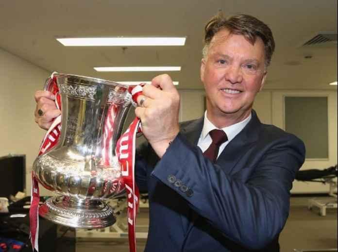 Louis van Gaal Pensiun Tiga Tahun Setelah Didepak Manchester United ... 6c8857f91a