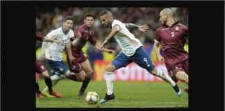 Lionel Messi Dikelilingi Pemain Tak Layak di Argentina, Beda Dengan Barcelona