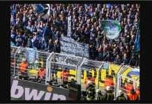 Tonjok-tonjokan antara fans kedua tim pecah usai Ruhrderby antara Borussia Dortmund vs Schalke di Signal Iduna Park hari Sabtu (27/4).