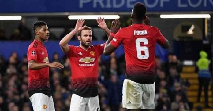 Barcelona Ramaikan Perburuan Gelandang Manchester United Juan Mata