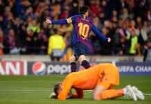 Lionel Messi Cetak Dua Gol ke gawang Manchester United di babak pertama