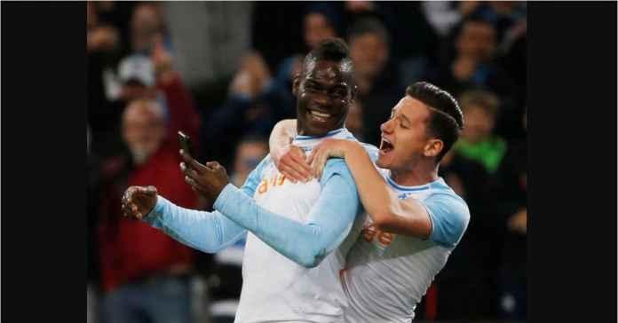 Tirukan Selfie Mario Balotelli, Tim Sepak Bola Ini Malah Kebobolan Gol Konyol