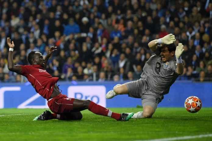 Sadio Mane mencetak gol di laga Porto vs Liverpool