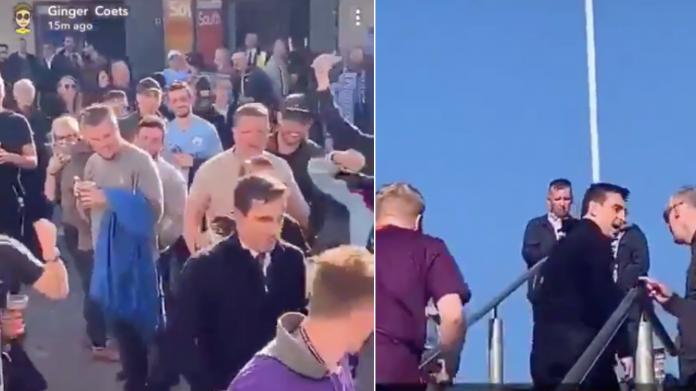 Gary Neville saat dicemooh fans Manchester City