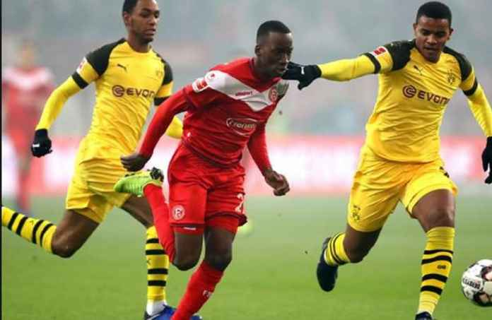 Borussia Dortmund vs Fortuna Dusseldorf, Laga Lesu Sang Runner-up