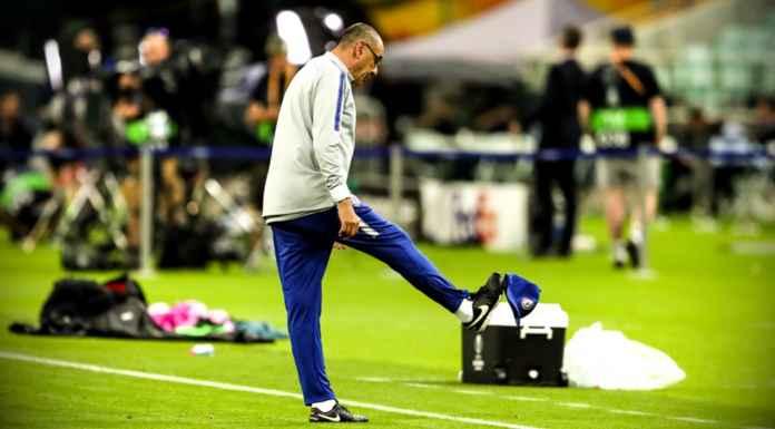 Pelatih Chelsea Marurizio Sarri yang kesal dan pergi tinggalkan lapangan