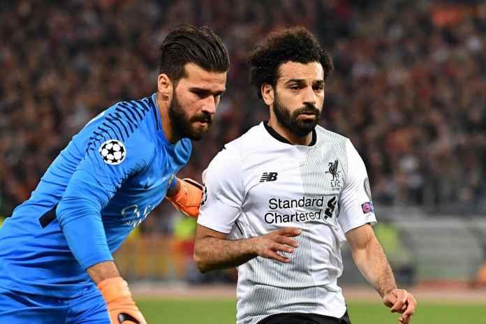 Alisson Becker dan Mohamed Salah, pemain Liverpool