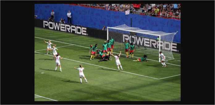 Kamerun Ludahi Pemain Inggris, Dorong Wasit, Mogok Main, Menangis