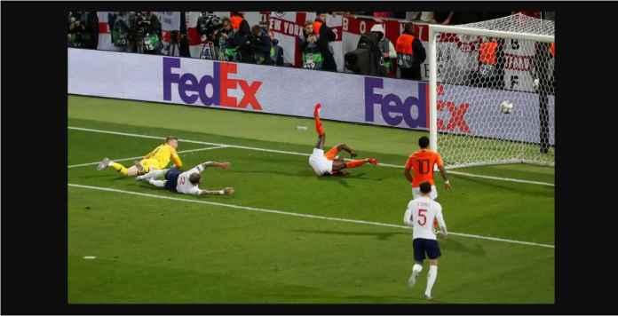 Lihat Dosa Besar John Stones Pada Laga Belanda vs Inggris Tadi Malam