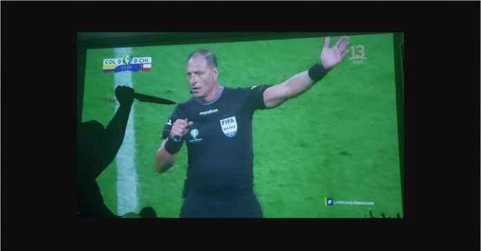 Wasit Ini Dihujani Ancaman Mati Usai Pimpin Laga Kolombia vs Chile