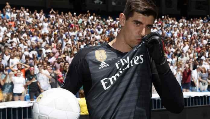 Thibaut Courtois kiper Real Madrid bikin kesal fans Chelsea