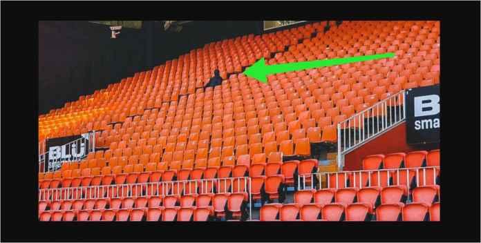 Valencia Bikin Patung Hitam di Kursi Penonton, Nakut-nakutin atau Apa?
