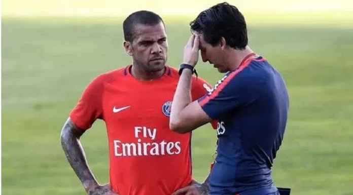 Dani Alves Siap Potong Gaji, Tapi Tetap Minta Arsenal Bayar Mahal