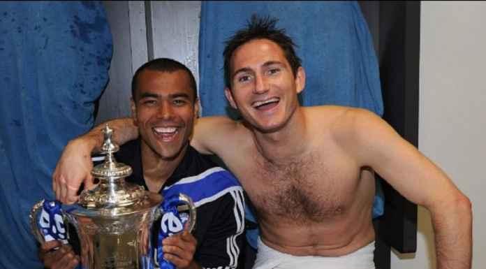 Ashley Cole Mulai Bantu Frank Lampard di Chelsea