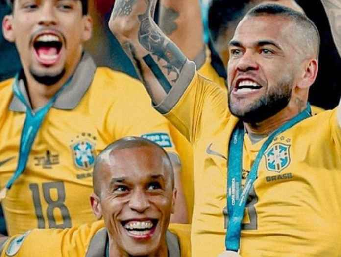 Dani Alves Cari Klub Baru via Medsos