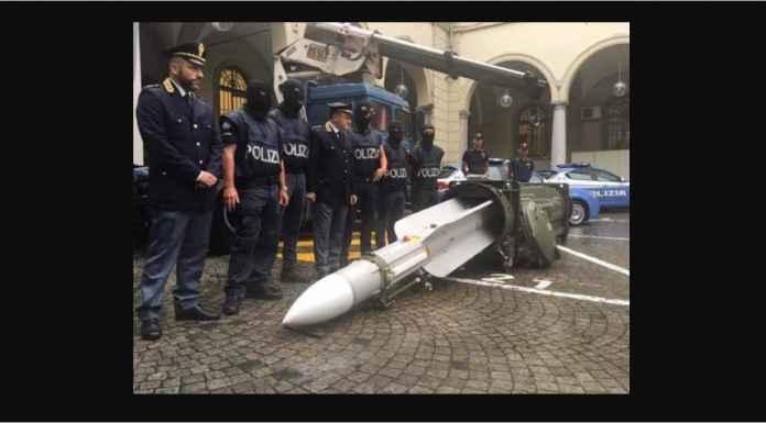 Cuma Ultras Juventus yang Punya Peluncur Roket dan Misil