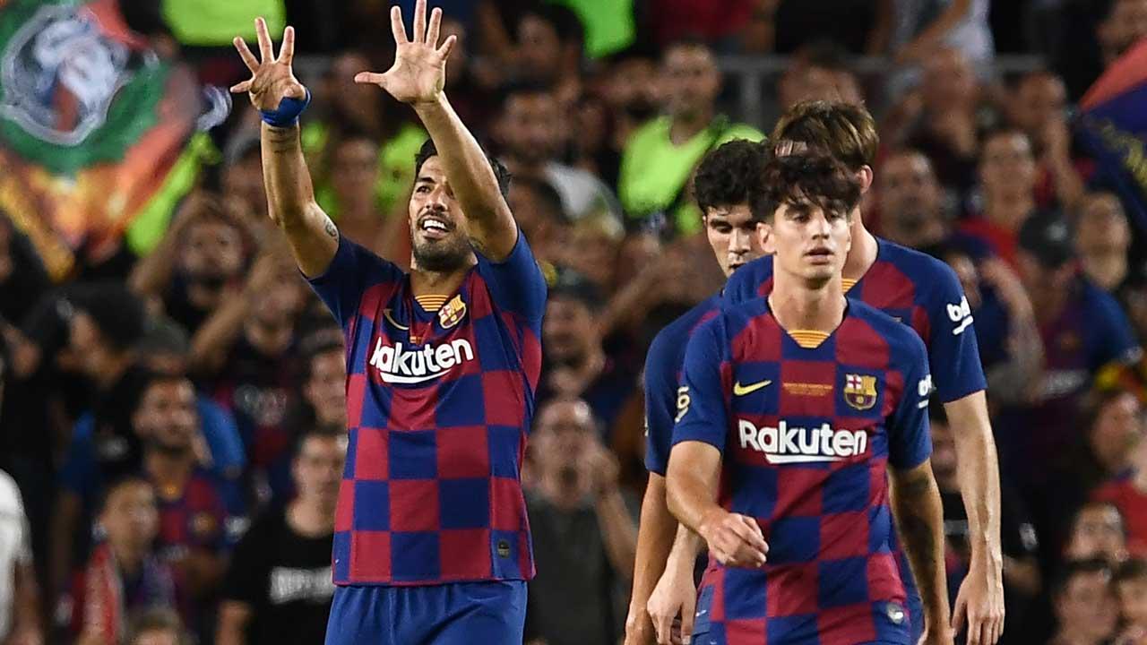 Luis Suarez Antar Barcelona Kalahkan Arsenal Rebut Trofi Joan