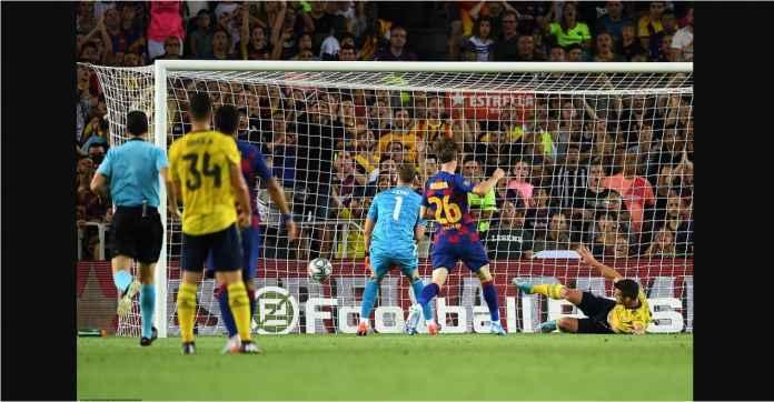 Lihat Gol Bunuh Diri Pemain Arsenal Ini, Sampai Malu Kita Lihatnya