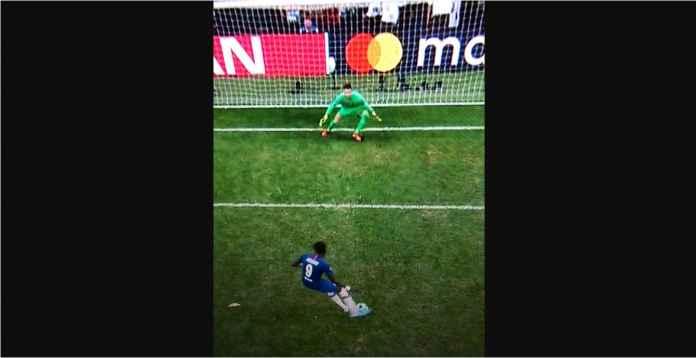 Kiper Liverpool Langgar Aturan Saat Adu Penalti, Benarkah?
