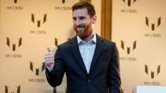 Lionel Messi Resmi Jualan Baju