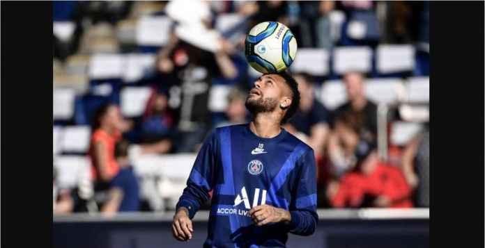Neymar Bisa Menangis oleh Lagu dan Spanduk Suporter PSG Malam Ini