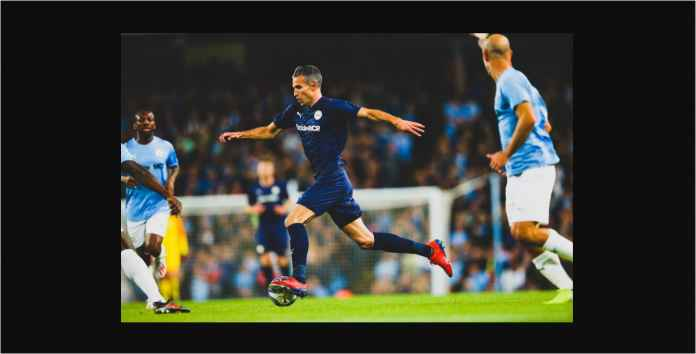 Skor 2-2, Lihat Gol Robin van Persie dan Aksi Paul Scholes Tadi Malam