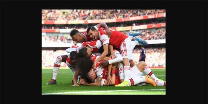David Luiz Ditindih Delapan Pemain Arsenal Usai Cetak Gol Tunggal