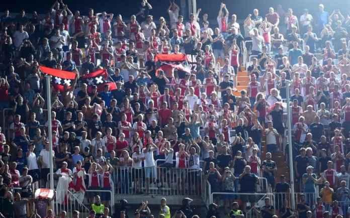 UEFA Larang Ajax Jual Tiket Tandang ke Chelsea