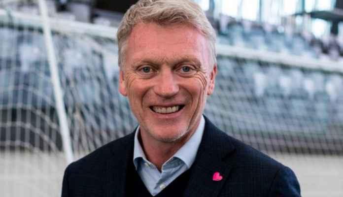 Moyes mengelola Everton antara tahun 2002 dan 2013 setelah bergabung dari Preston North End, mengawasi 518 pertandingan dan memimpin The Toffees ke empat besar di tahun 2005. Silva berada di ambang di Everton setelah awal yang menyedihkan untuk musim Liga Premier, meskipun menghabiskan musim panas lebih dari £ 100 juta. Everton saat ini berada di urutan 18 di Liga Premier, setelah meraih hanya tujuh poin dari delapan pertandingan, dengan kekalahan 1-0 pada Sabtu di Burnley menjadikannya empat kekalahan beruntun. Silva adalah favorit untuk menjadi manajer Liga Premier berikutnya yang kehilangan pekerjaannya, meskipun ia ditetapkan untuk tetap bertanggung jawab atas pertandingan Everton berikutnya, setelah jeda internasional, di kandang West Ham pada 19 Oktober. Peluang Moyes menjadi bos Everton berikutnya turun dari 7/4 menjadi 5/6 dengan bandar taruhan Paddy Power. Pelatih Manchester City dan mantan gelandang Everton Mikel Arteta adalah tembakan 8/1 sementara mantan bos Newcastle Rafa Benitez, yang saat ini mengelola di Cina, adalah 10/1.
