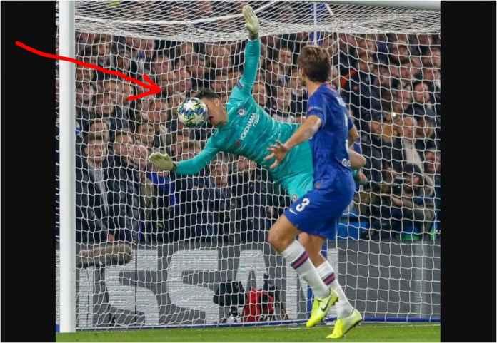 Adegan Terlucu Semalam, Muka Kiper Chelsea Kepa Kena Bola dan GOL!