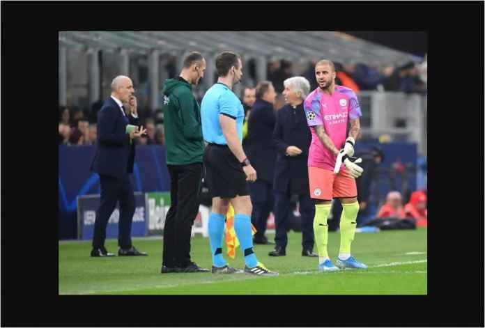 Lihat Manchester City Kehabisan Kiper, Satu Cedera, Satu Kartu Merah!