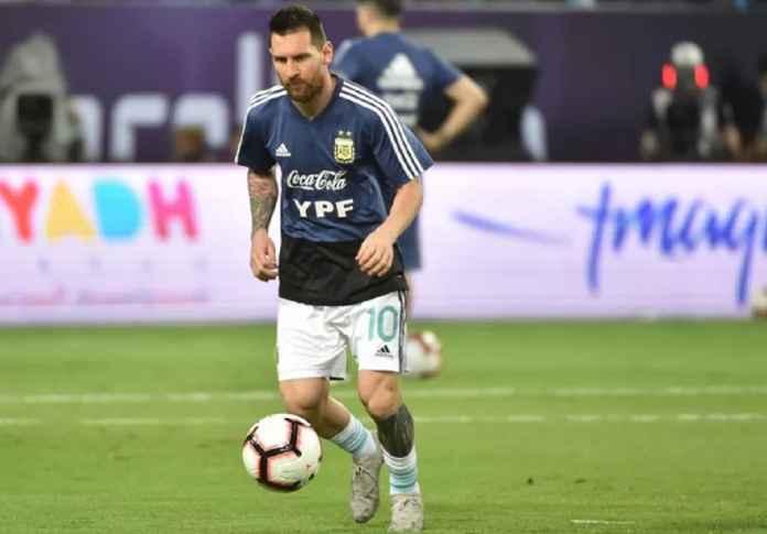 Lionel Messi Tantang Luis Suarez Dini Hari Nanti