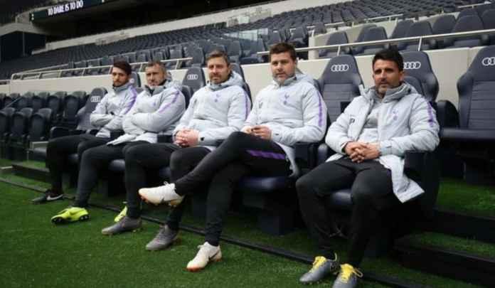 Mantan Manajer Tottenham Hotspur Mauricio Pchettino bersama para asistennya