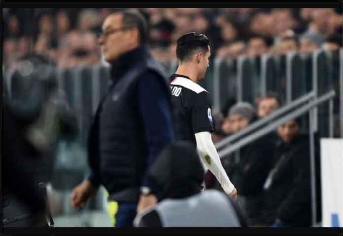 Sarri Cari Gara-gara, Ronaldo Ditarik Menit 54, Langsung Beranjak Pulang