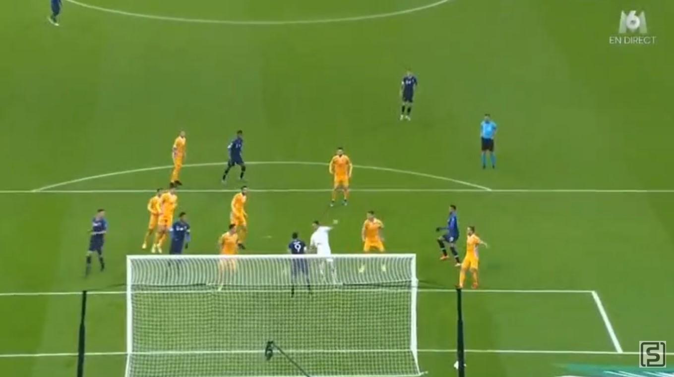 Gol Raphael Varane, Prancis vs Moldova