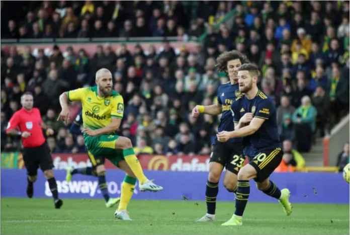 Debut Freddie Ljungberg Gagal, Arsenal Kalah 2-1