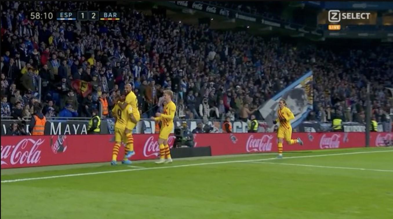 Arturo Vidal cetak gol kedua Barcelona