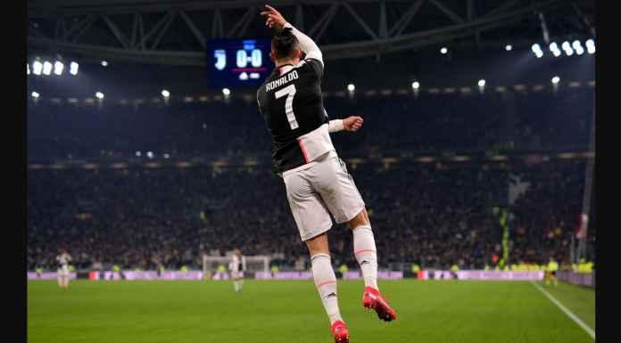 Cristiano Ronaldo Cetak Gol Dari Sudut Sempit ke Gawang Roma