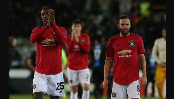 Tekan Kartu Merah Beberapa Hari Bergabung dengan Manchester United, Miskin