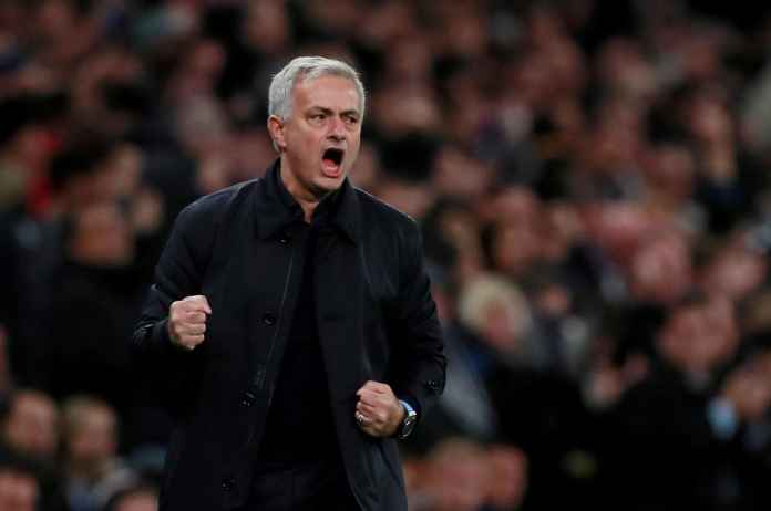 Kurt Zouma : Jose Mourinho Pelatih Yang Selalu Ingin Menang!