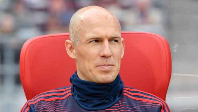 Arjen Robben Hampir Gabung MU, Tapi Batal Karena Ini