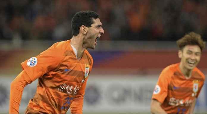 Marouane Fellaini, Jadi Kasus Positif Pertama di Liga Super China
