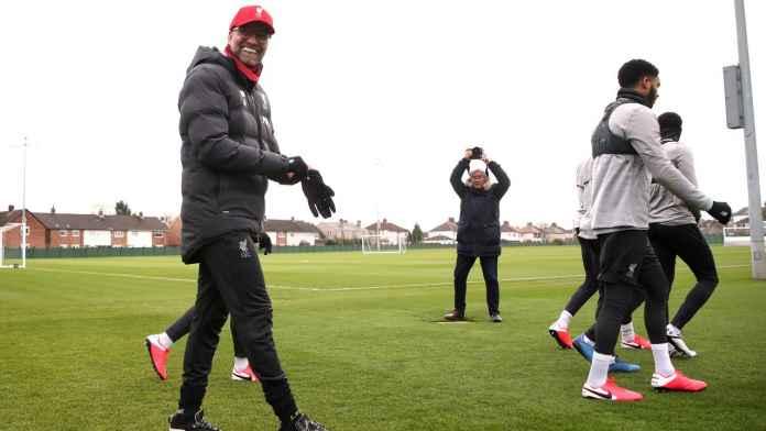 Jurgen Klopp dan skuad Liverpool kembali berlatih jelang bergulirnya laga lanjutan Liga Inggris
