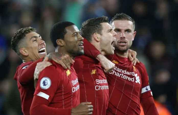 Liverpool Angkat Trofi Tanpa Hingar-Bingar Suporter